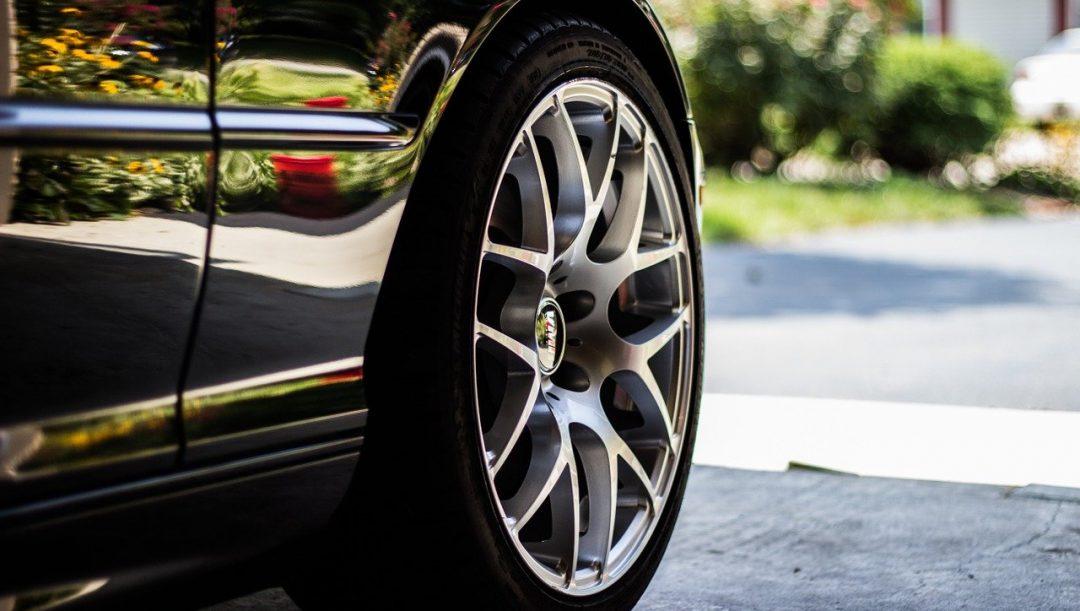 controllo cerchioni e pneumatici