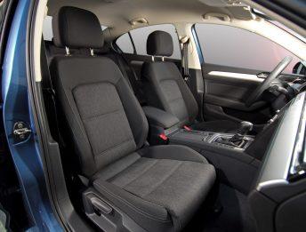 controllo sedili e cinture di sicurezza