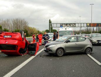 Incidenti stradali risarcimenti più bassi