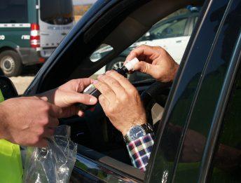 Guida in stato di ebbrezza auto confiscata