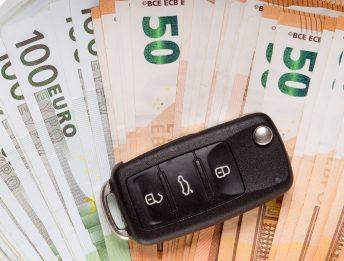 acquistare un'auto da un proprietario non intestatario