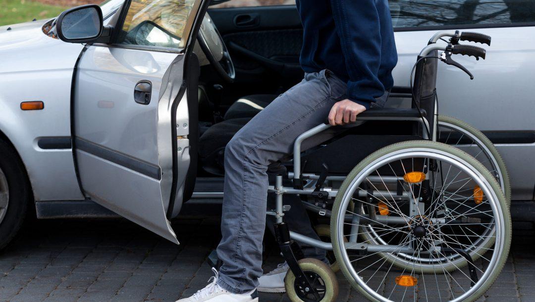 Guidare auto intestata a un disabile