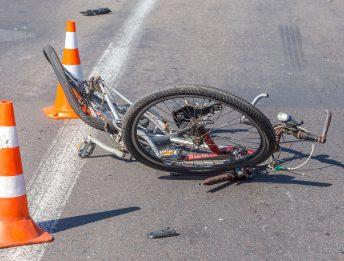 Incidente tra ciclista e pedone