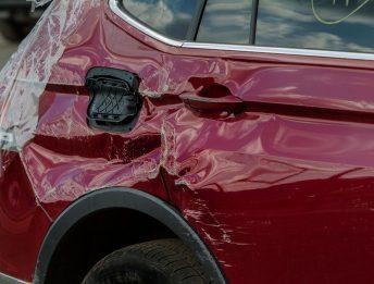 Tamponamento da auto sconosciuta