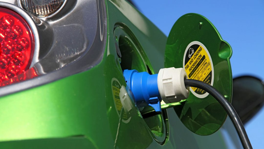 Auto benzina e diesel stop nel 2035