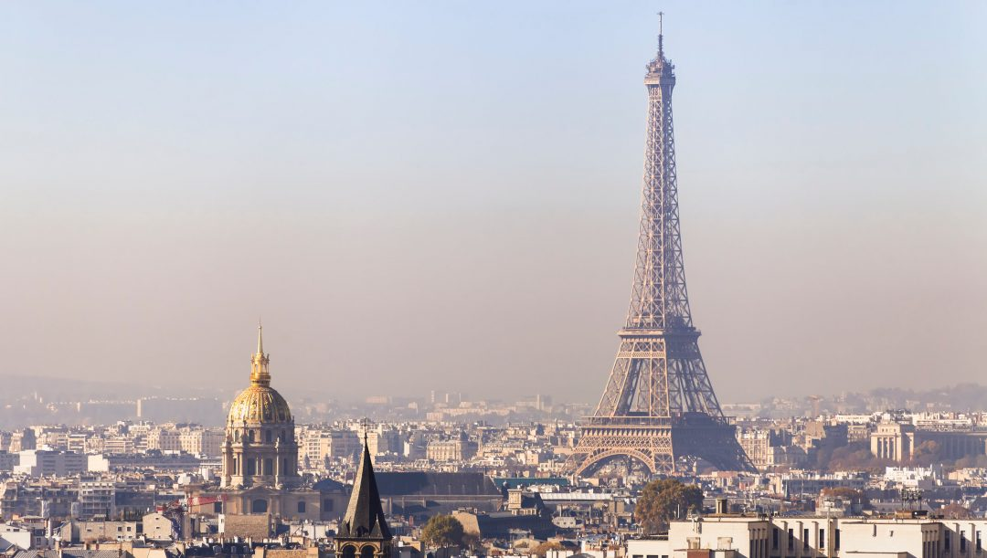 Smog a parigi francia