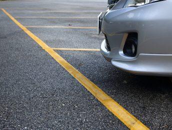Strisce gialle parcheggio
