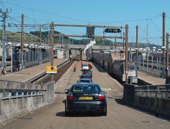 Tunnel della Manica in auto